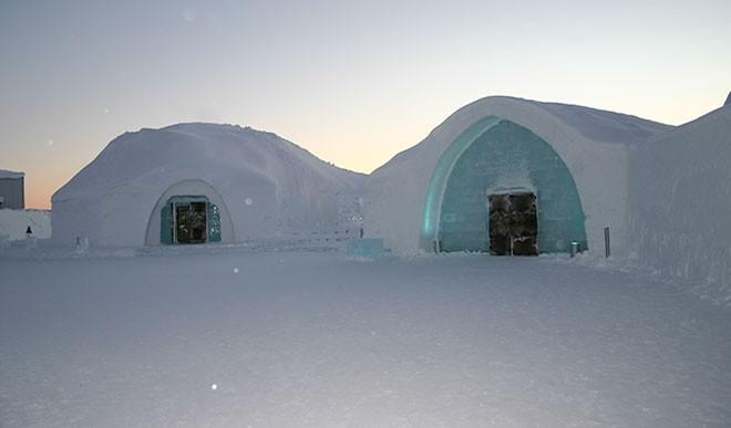बर्फ का होटल